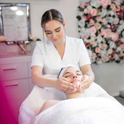 Gesichtsbehandlung Gesichtsreinigung Kosmetikstudio Lima Beauty