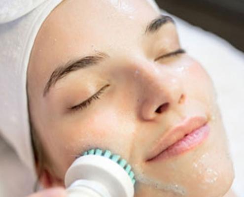 Gesichtsbehandlung Peeling Kosmetikstudio Lima Beauty